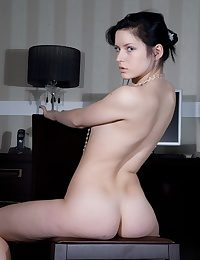 Youthful black-haired twunk opening up her hairless and raw puss